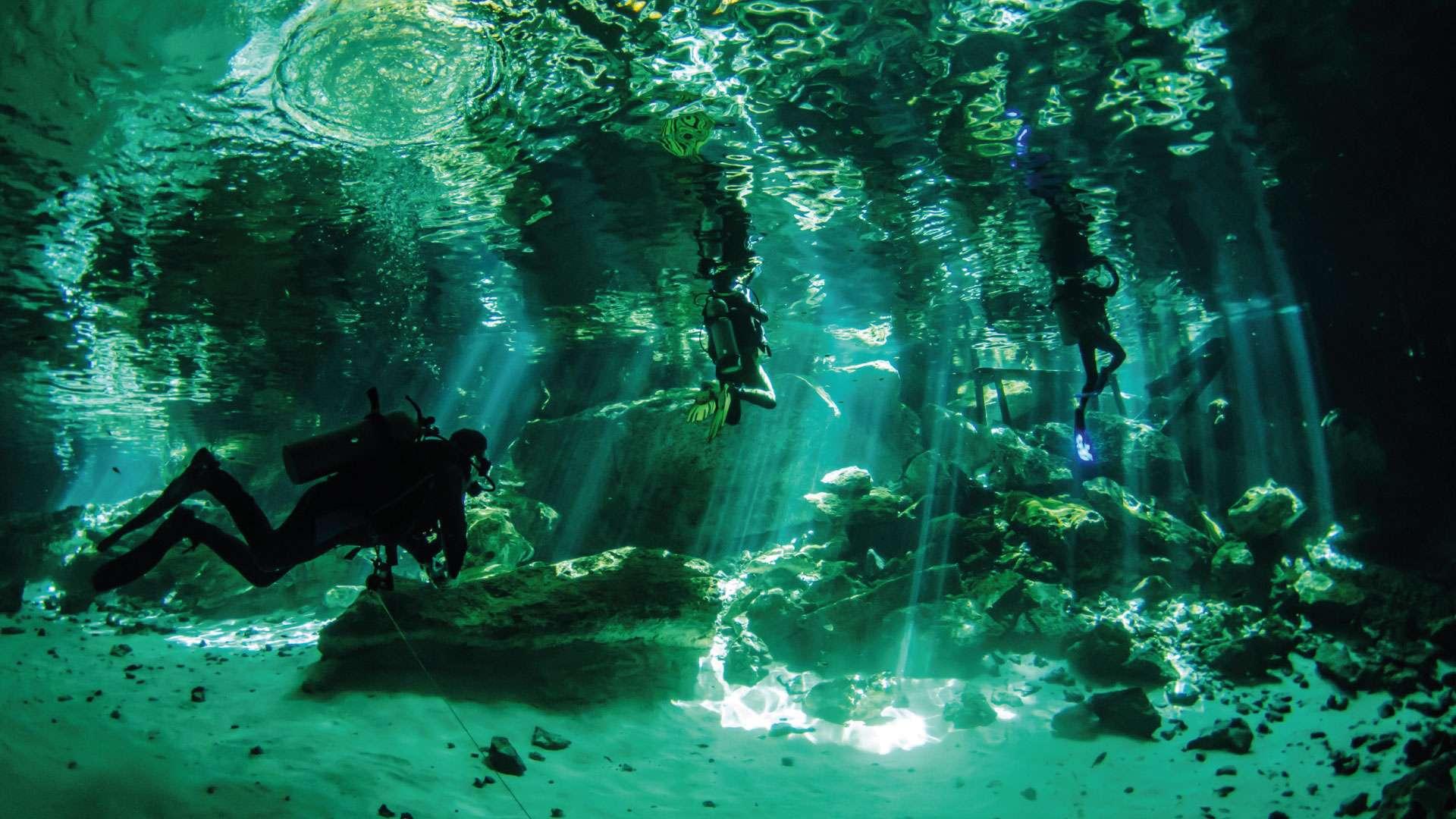 Buceo en cenotes en Cancún y la Riviera Maya